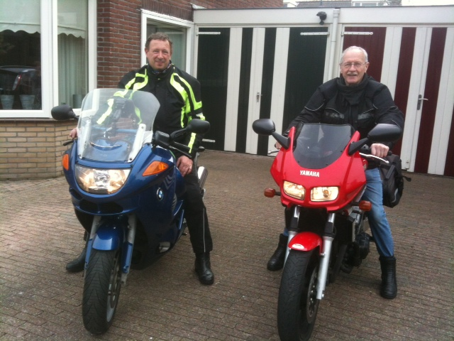 michael en jan op de motor